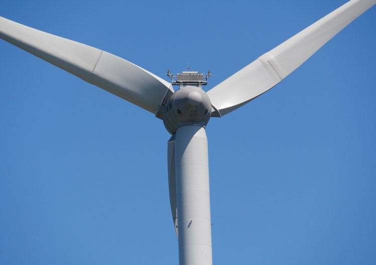 New records set in wind and solar production in March