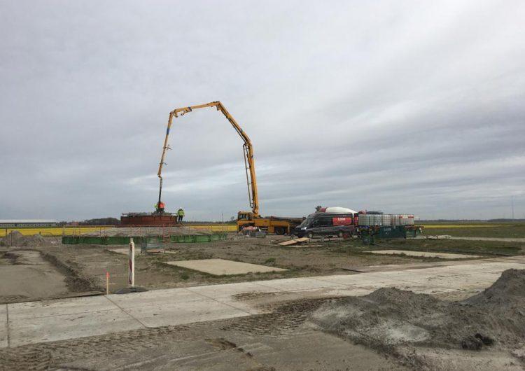 Turbine installation at Wieringermeer Wind Farm is halfway