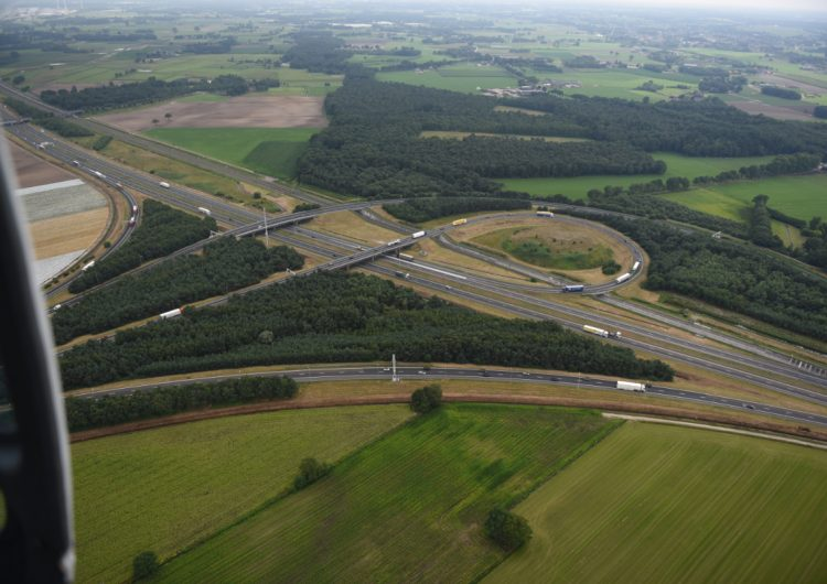 Green light for 28 turbines along the A16 motorway