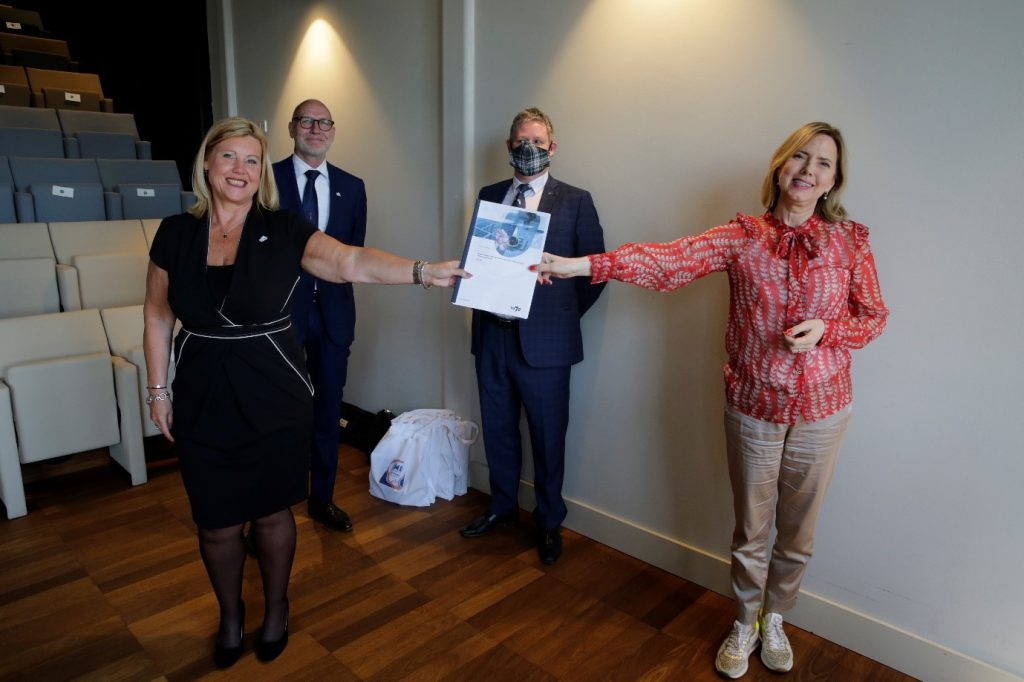 Den Helder Airport presents report on impact of helicopters and ships