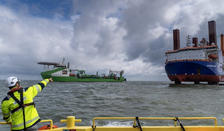 Underwater installation third Hollandse Kust (zuid) export cable underway