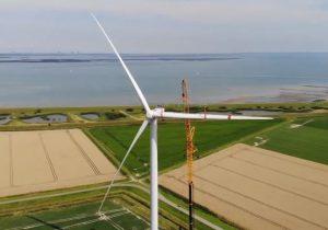 Last turbine up at Noord-Beveland wind farm